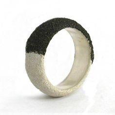 Bi-color pulverization ring | Arata Fuchi
