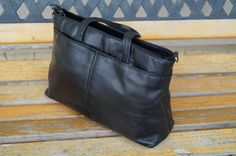 Vintage handbag.Real leather Handbag.A very classy by vintagdesign