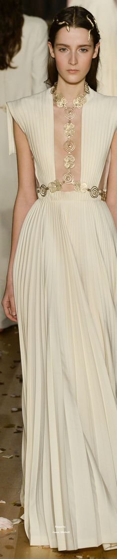 Valentino Collection Spring 2016 Couture