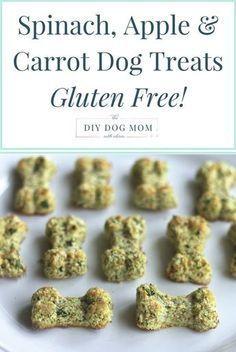 DIY dog treats | Spinach, Apple & Carrot Homemade Dog Treats | grain free dog treats | gluten free dog treats | diy dog treats | homemade dog treats