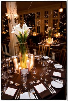 natural table, calla lilies, brown and white, candlelight