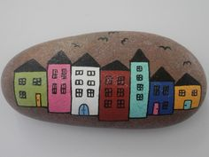 Painted rock TOWN    Acrylic paints and glitters, clear coating. Natural…