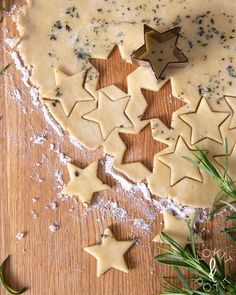 Christmas Sweets, Christmas Baking, Christmas Diy, Savory Snacks, Snack Recipes, Fruit Bread, Salty Foods, Savoury Baking, Biscuits