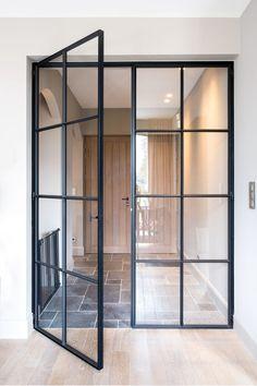 Französische Inneneinrichtung Home Sweet Home Victorian Front Doors, Sweet Home, Iron Doors, Steel Doors, Door Design, Entrance Design, Glass Door, Glass Bathroom Door, Open Plan