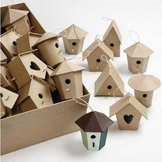 60 Paper Mache Mini Hanging Birdhouses or Bird Boxes Diy Christmas Village, Christmas Crafts For Kids, Paper Mache Crafts, Cardboard Crafts, Adult Crafts, Diy And Crafts, Creative Box, Bird Boxes, Shape Crafts