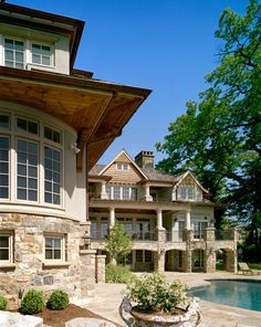 Darien waterfront, CT. Robert A. Cardello Architects. love this home
