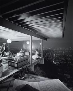 Case Study House 22, Los Angeles, 1960, architect: Pierre Koenig, photo: Julius Shulman © J. Paul Getty Trust