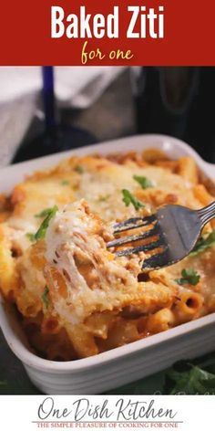 Baked Ziti Recipe - Baked Ziti For One - a single serving version of classic Italian American comfort food. Pasta baked with ground beef, tomato sauce, and plenty of cheese. Easy to make and incredibly delicious! Baked Ziti With Ricotta, Easy Baked Ziti, Kitchen Dishes, Food Dishes, Main Dishes, Roasted Vegetable Pasta, Recipe For 1, Small Baking Dish, Single Serving Recipes