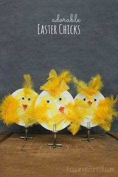 Adorable Spring Chicks ~ simple Easter crafts for kids Spring Projects, Spring Crafts, Holiday Crafts, Easter Art, Easter Crafts For Kids, Easter Ideas, Easter Activities, Preschool Crafts, Spring Art