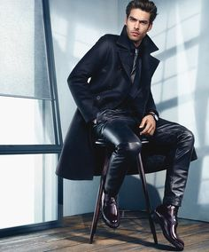 Top models Jon Kortajarena and Julia Stegner team up as sublime new face of Kenneth Cole, posing for label's sensual autumn winter advertisement. Jon Kortajarena, Tight Leather Pants, Leather Trousers, Men's Leather, Leather Jackets, Business Casual Dresscode, Jeans En Cuir, Fashion Moda, Mens Fashion