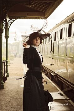 Photograph Searching by Lexie Lambert on Best Picture For Train travel icon For Your Taste You are looking for something, and it is going to tell you exactly what you are looking for, and you di Orient Express, Edwardian Fashion, Vintage Fashion, Mode Steampunk, Ticket To Ride, Looks Vintage, Train Travel, Train Trip, Belle Epoque
