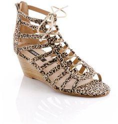 Pin for Later: Wählt eure neuen Schuhe aus: 50 preiswerte Sommerschuhe ShoeMint Printed Wedge Sandalen ShoeMint Kelin Gladiator Sandals Leopard ($45)