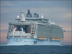 Cruised on Allure of the Seas Cruise Ship