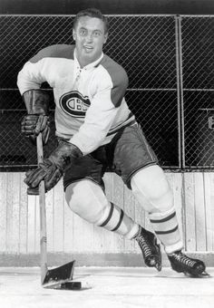 Jean Beliveau dies at hockey star won 10 Stanley Cups as a player Montreal Canadiens, Hockey Teams, Ice Hockey, Canadian Hockey Players, Sports Figures, National Hockey League, Team Player, Nhl, Coaching