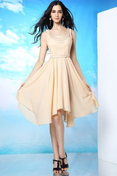 This elegant short dress is made of chiffon, it is the right choice for your any informal prom !