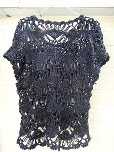 I would love to find the pattern for this in English hairpin lace top summer crochet floral blouse by Tinacrochetstudio,