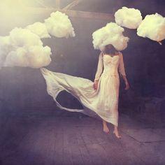 acho fino com nuvens...