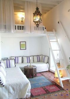 Die kleine Wohnung einrichten mit Hochhbett small apartment set up with high bed_small room set up in white with loft bed over corner sofa New Homes, Interior Design, Awesome Bedrooms, Small Spaces, Home, Bedroom Loft, Bedroom Design, Tiny House Living, Home Decor