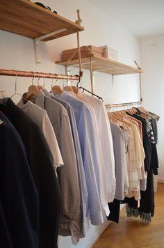 DIY-Regal und DIY-Kleiderstangen zur besseren Aufbewahrung und Organisation. #DIY #Kleiderstange #Regal #Aufbewahrung #Organisation