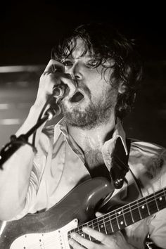 Biffy  clyro, do want to go their live!!!!!