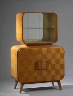 Jindřich Halabala  Bar Cabinet Modèle S-127, 1946