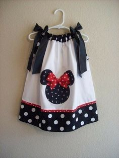 Another Minnie Mouse pillowcase dress Little Girl Dresses, Little Girls, Girls Dresses, Disney Dresses, Sewing For Kids, Baby Sewing, Fashion Kids, Sewing Clothes, Doll Clothes