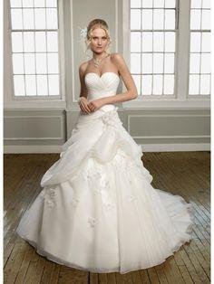 Stylish Romantic Organza Sweetheart Pure White Ball Gown Wedding Dress