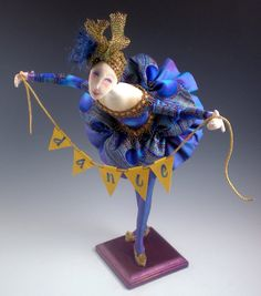 I Hope You Dance is an all cloth doll designed by NIADA Artist CINDEE MOYER depicting the prima ballerina taking her bow.  CINDEE is always