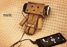 Danbo listens to music