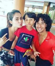 cute pic of aarya prajapati  Disha Patani and Tiger jackie shroff.  @BOLLYWOODREPORT ❤❤! #instabollywood  #instantbollywood  #bollywood  #india #indian  #desi  #bollywood #cute #TigerShroff #dishapatani #bollywoodreport  @BOLLYWOODREPORT ❤❤