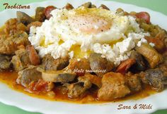 Les plats roumaines: Tochitura, plat traditionnel roumaine Romanian Food, Mashed Potatoes, Beef, Breakfast, Ethnic Recipes, Author, Pork, Fine Dining, Greedy People