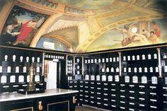 Múzeum farmácie - lekáreň U červeného raka MMB | CITYLIFE