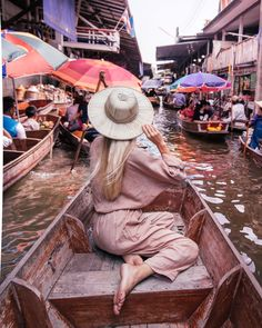 One night In Bangkok – Travel In Her Shoes Thailand Travel Guide, Bangkok Travel, Bangkok Thailand, Asia Travel, Laos Travel, Thailand Vacation, Nightlife Travel, Beach Travel, Thailand Floating Market