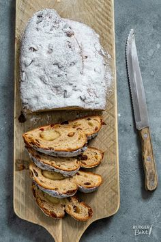 Kerststol bakken – recept - Rutger Bakt Dutch Recipes, Bread Recipes, Muffins, Cupcakes, Pan Dulce, Catering, Dinner Recipes, Rolls, Dairy