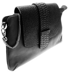 Valenz Handmade Roxy Python Black Clutch - why can't the hardware be gold tho Ethno Style, Fashion Bags, Tokyo Fashion, Street Fashion, Fashion Heels, India Fashion, Black Clutch, Looks Style, Mode Style