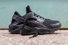 NIKE AIR HUARACHE (BLACK SAFARI) | Sneaker Freaker