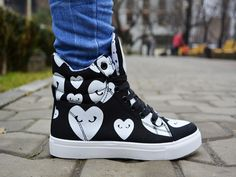 Ghete Tixxie Negru http://www.standard-shoes.ro/produse-noi.html #sneakers #shoes #fashion #details #black #hearts #girly #girls #streetfashion