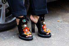 Street look à la Fashion Week automne-hiver 2016-2017 de Milan http://www.vogue.fr/mode/street-looks/diaporama/fwah2016-street-looks-la-fashion-week-automne-hiver-2016-2017-de-milan/25952#fwah2016-street-looks-a-la-fashion-week-automne-hiver-2016-2017-de-milan-50 Photos par Sandra Semburg