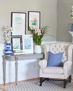 A pretty vignette.love the Grey table with cream furniture Cream Furniture, Painted Furniture, Navy Pillows, Tiny Living Rooms, Orchid Pot, Grey Table, Fashion Room, Christmas Home, Console Table