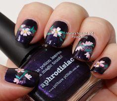 Aphrodisiac flowers - nail art