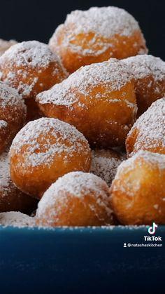 Donut Recipes, Baking Recipes, Cookie Recipes, Dessert Recipes, Bomboloni Recipe, Italian Donuts, Beignets, Amazing Food Videos, Delicious Desserts