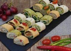 Co tu dużo mówić, tych smaków trzeba spróbować a przygotowując je na przyjęcie zachwycicie gości. Składniki: tortille, serki kanapkowe, awokado, łosoś wędzony, szpinak w liściach, roszponka, ... Finger Food Appetizers, Appetizers For Party, Finger Foods, Appetizer Recipes, Snack Recipes, Healthy Recipes, Snacks, Salty Foods, Appetisers