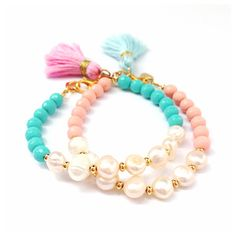 Pretty in Pearls Tassel Bracelet Radiant Turquoise por LovesAffect