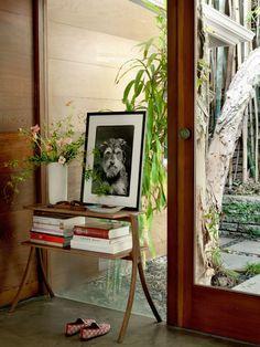 Step Inside Dakota Johnson's Midcentury-Modern Home Midcentury Modern, Design Entrée, Interior Design, Chair Design, Johnson House, Floating, Step Inside, Vintage Lamps, Architectural Digest