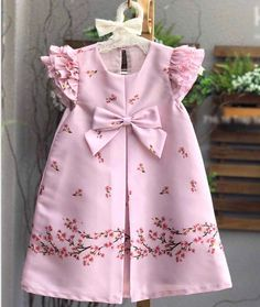 46 Ideas Sewing Baby Girl Clothes Tuto Robe For 2019 Kids Frocks, Frocks For Girls, Little Girl Dresses, Girls Dresses, Baby Dress Design, Baby Girl Dress Patterns, Ladies Dress Design, Baby Girl Fashion, Kids Fashion