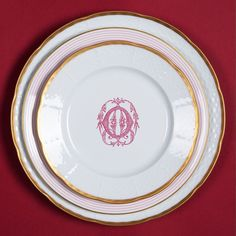 Gorgeous monogrammed 24 Karat gold rimmed dinnerware. Thees dishes are fun yet quintessentially elegant yet dishwasher safe to elevate the look of any occasion. The best part-this dinnerware is offered in several monogram and colors! SashaNicholas.com Sasha Nicholas Monogrammed Dinnerware.