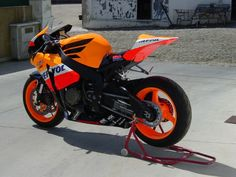 Some couldn't wait for an official Repsol replica Fireblade so created their own.