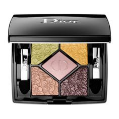 Shop Dior 5 Couleurs Glowing Gardens Couture Colours & Effects Eyeshadow Palette at Sephora. It has five eye shadows inspired by Christian Dior's gardens. Dior Makeup, Makeup Geek, Eye Makeup, Makeup Tips, Eyeshadow Brushes, Eyeshadow Palette, Sephora, Christian Dior, Crazy Lipstick