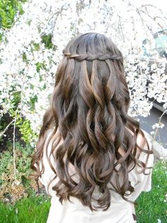 Waterfall braid wedding hair should go fine with natural curls. Waterfall braid wedding hair should Flower Girl Hairstyles, Braided Hairstyles For Wedding, Bride Hairstyles, Pretty Hairstyles, Dance Hairstyles, Hairstyle Ideas, Updo Hairstyle, Perfect Hairstyle, Hairstyle Wedding