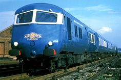 The Blue Pullman : How to design a train, the Bill Mitchell way… Electric Locomotive, Diesel Locomotive, Steam Locomotive, Electric Train Sets, London Manchester, Old Trains, Hobby Trains, British Rail, West Midlands